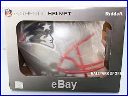 NEW ENGLAND PATRIOTS -Riddell Full-Size VSR4 Authentic Helmet